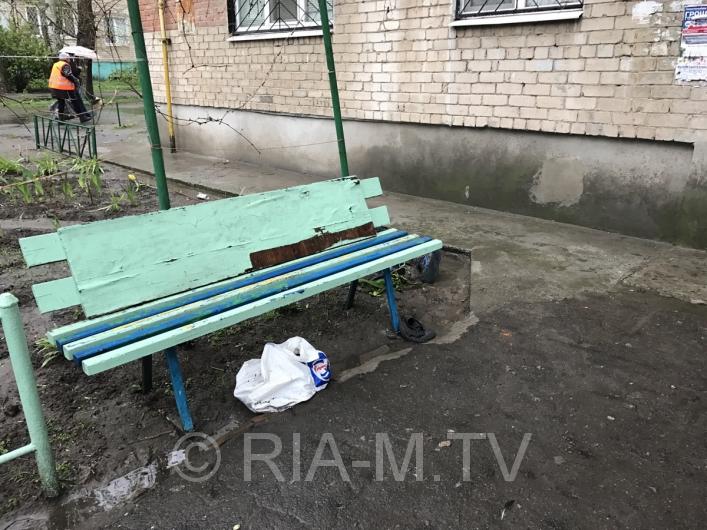 <strong>В Запорожской области возле многоэтажки лежал труп (ФОТО)</strong>