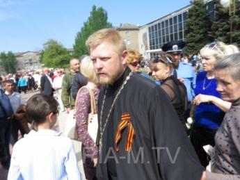 Священник, надевший георгиевскую ленту, под запретом