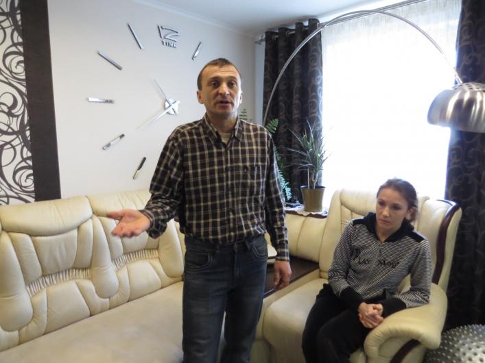 Торгует своей женой видео фото 518-969