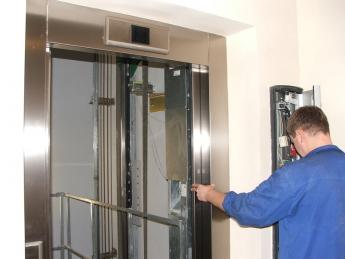 Лифты оборудуют зеркалами и капитально отремонтируют