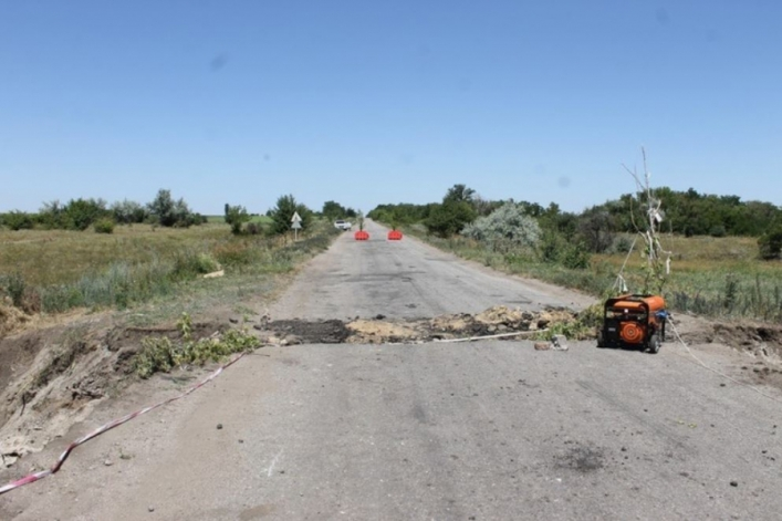 Дорога на Бердянск перекрыта: на трассе рухнул мост (Фото). Новости Днепра
