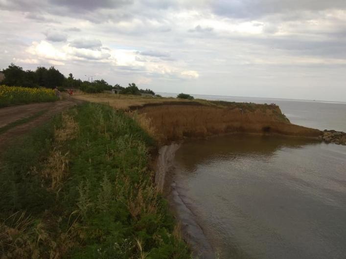 Азовское море уничтожает землю: катастрофа может случится в любой момент (Фото). Новости Днепра