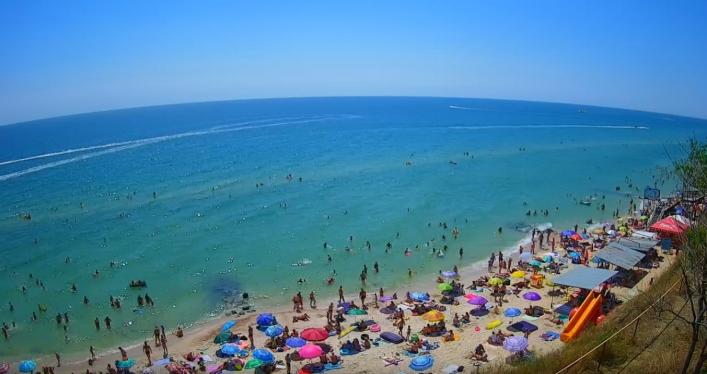 В Кирилловке исчезают пляжи, людей мало и негде загорать: местные бьют тревогу (Реальные фото). Новости Днепра