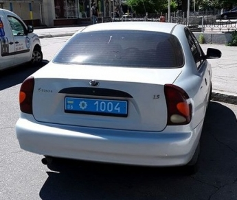 В Запорожье инспекторы по парковке оштрафовали полицейских