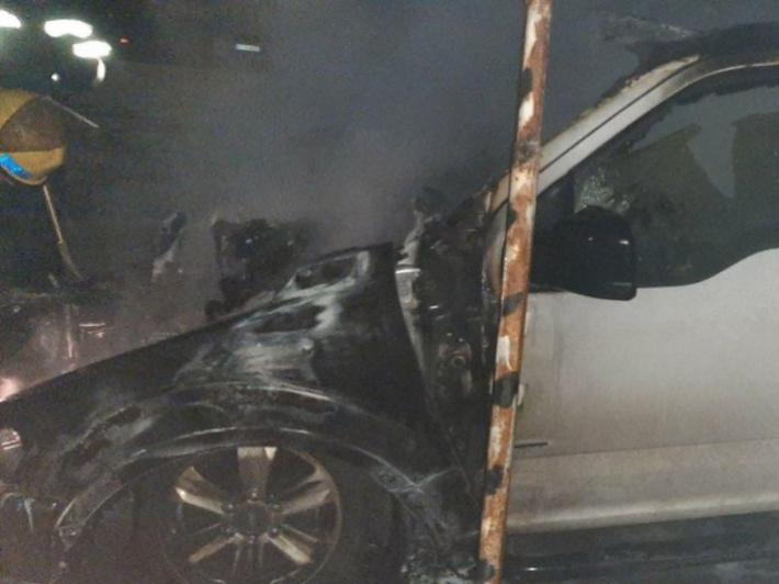 Машина, сгоревшая на стоянке в Мелитополе, принадлежала депутату