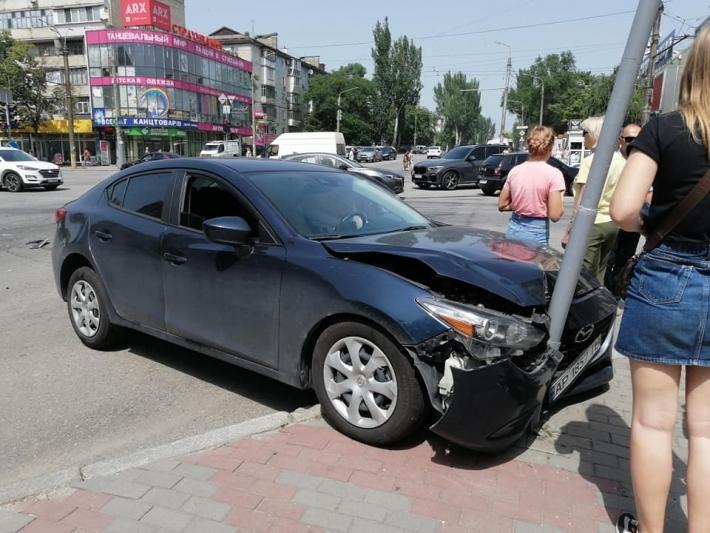 Стало известно, кто пострадал в ДТП на Соборном проспекте в Запорожье