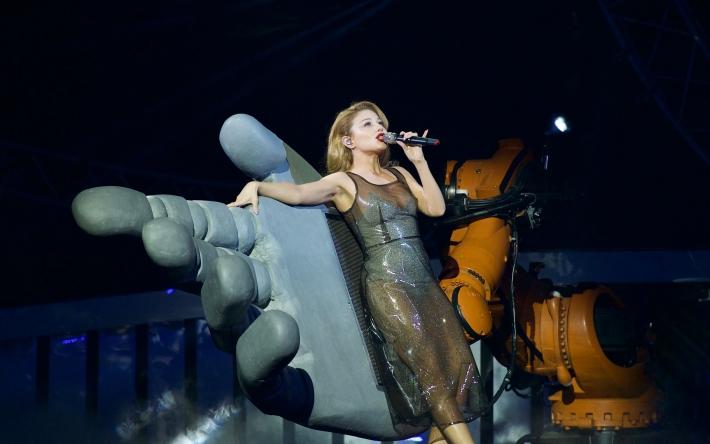 Концерт не отменяется - в Мелитополь на День города едет Тина Кароль (афиша)