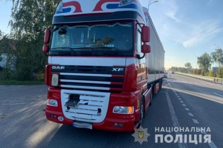 В Житомирской области грузовик сбил 9-летнюю девочку
